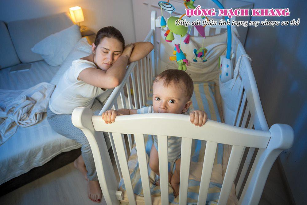 Thiếu ngủ làm nặng thêm tình trạng mệt mỏi sau sinh